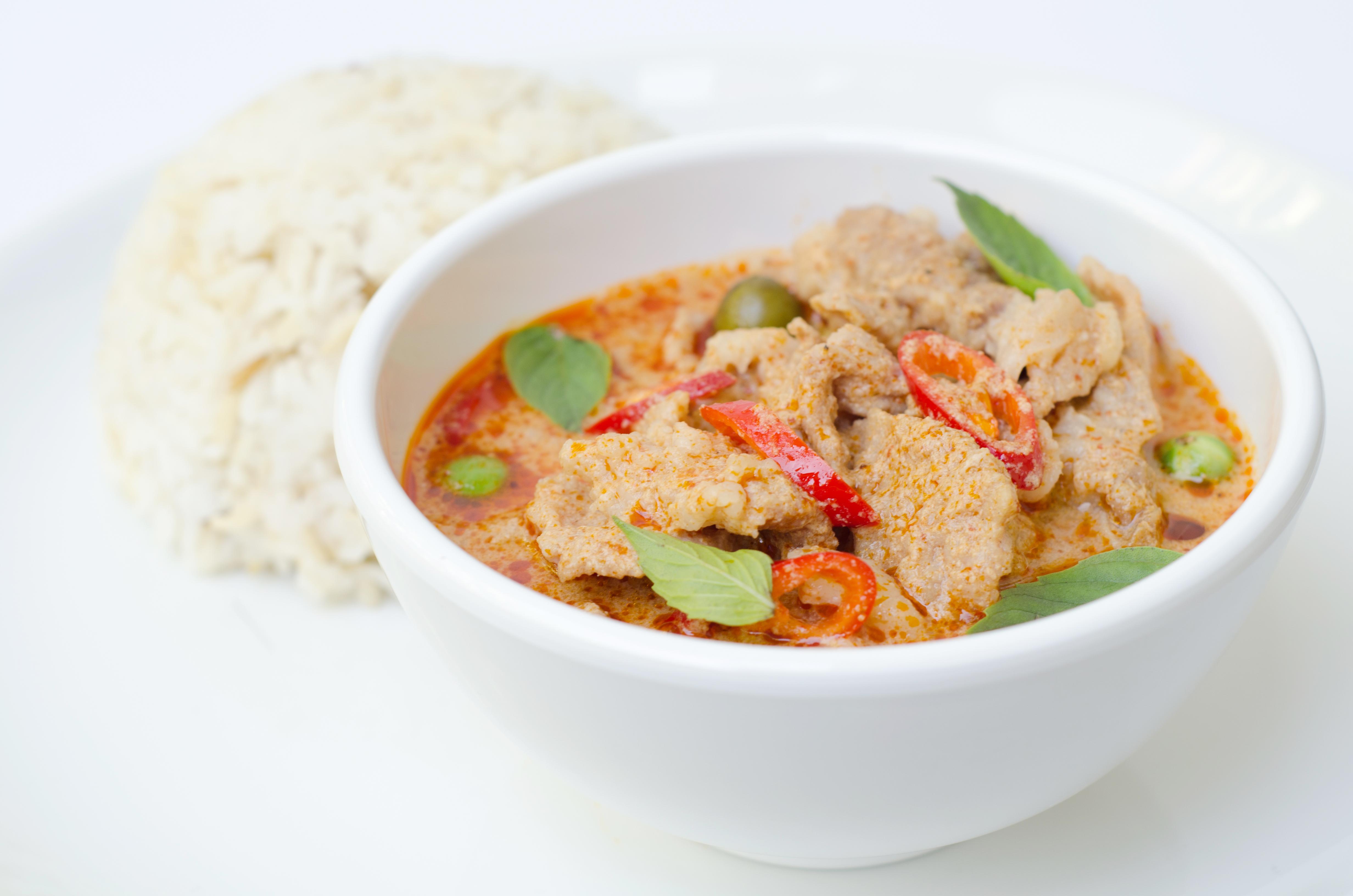 thai opskrifter med kylling rød karry